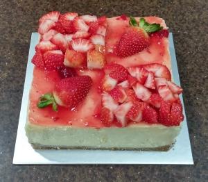 Fresh Strawberry Cheesecake 15x15cm