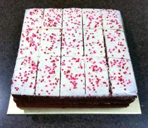 Red Velvet Cheesecake 22x22cm